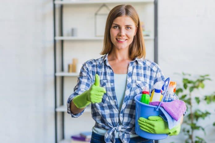 háztartási alkalmazott