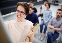 képesítéshez kötött tevékemység munkaviszony vállalkozás