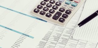 """A vállalkozások alapnyilvántartásai alatt azokat a tételes kimutatásokat értjük, amelyek alátámasztják bevallásainkat, beszámolónkat. Egy vállalkozásnak a különböző adójogszabályok alapján más és más alapnyilvántartást kötelező vezetni. A törvényi """"minimumtól"""" eltérően magasabb szintű alapnyilvántartást is vezethet. Ha a vállalkozás választott adózásában változás áll be, előfordulhat, hogy más alapnyilvántartás vezetésére kell áttérnie."""